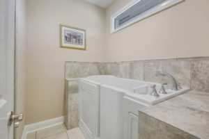 Baton Rouge Bathroom Remodel Contractor installs Walk In Tub