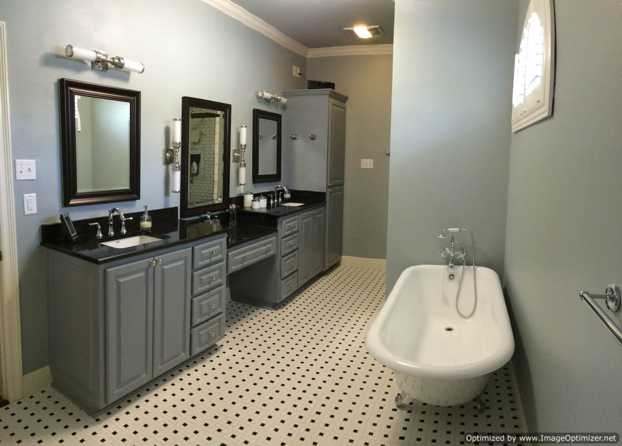River bend bathroom renovation zitro construction for Bath remodel contractors