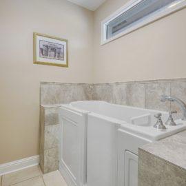 bathroom-remodel-baton-rouge-walk-in-tub